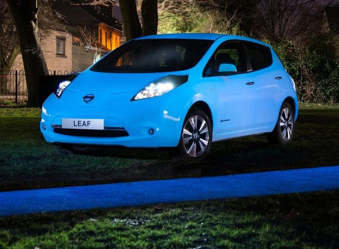 2016 Nissan Leaf, Glow In The Dark Photos