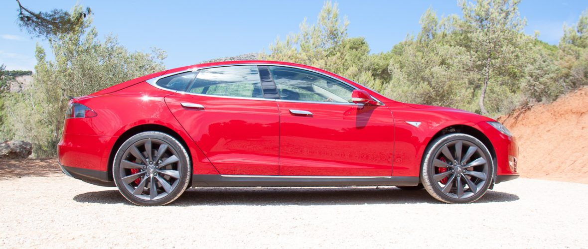 Tesla S P85D price, specs and Review