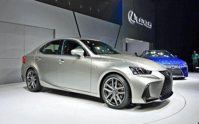 Lexus IS 2017, renew the Japanese sedan