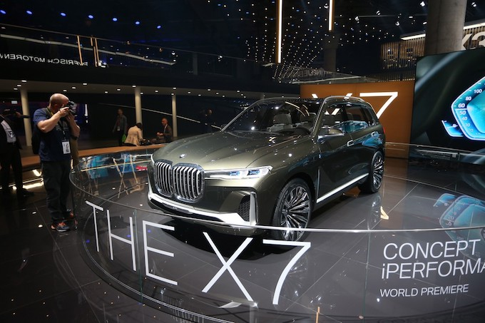 BMW X7 iPerformance: The new Bavarian SUV was unveiled in Frankfurt
