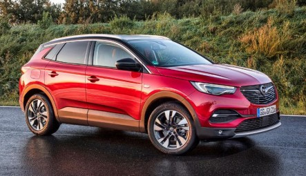 Pictures for the first time with the new Opel Grandland X based on the new Peugeot 3008