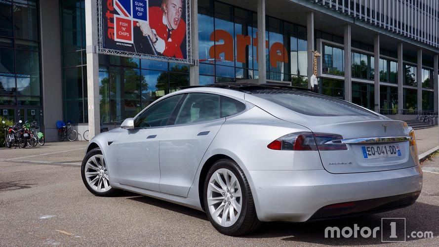 Tesla Model S 75D Review, Crossing France in silence