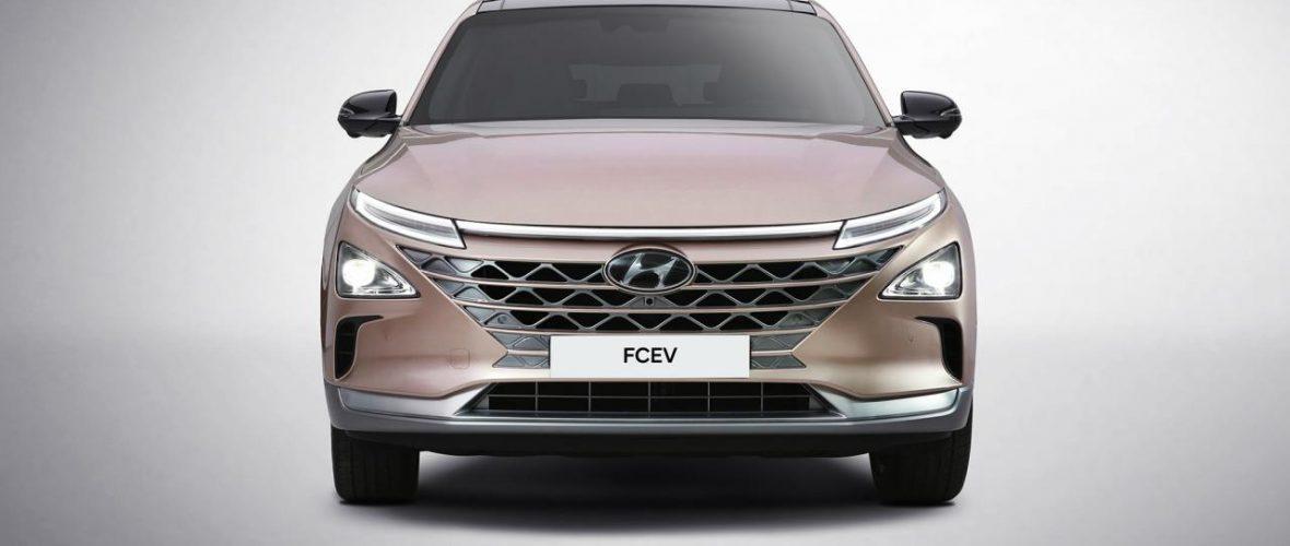Hyundai Nexo fuel-cell SUV revealed at CES 2018