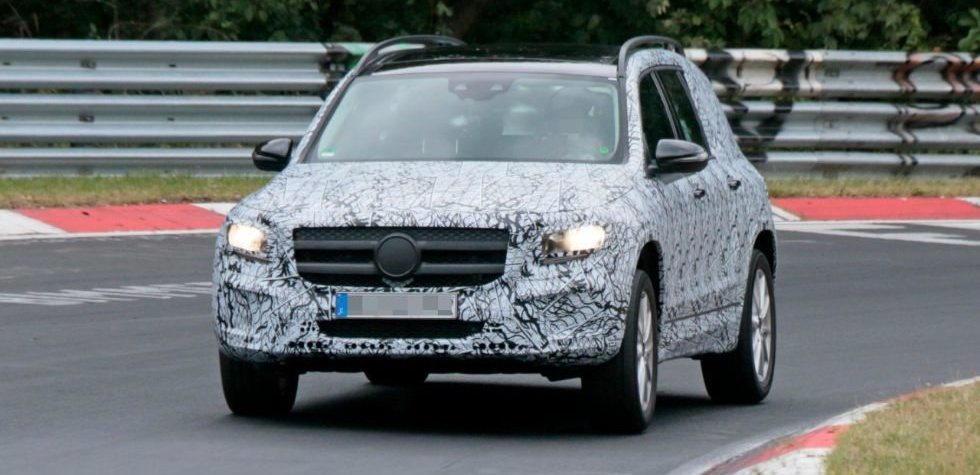 Mercedes GLB 2019. It can be seen on the Nürburgring circuit