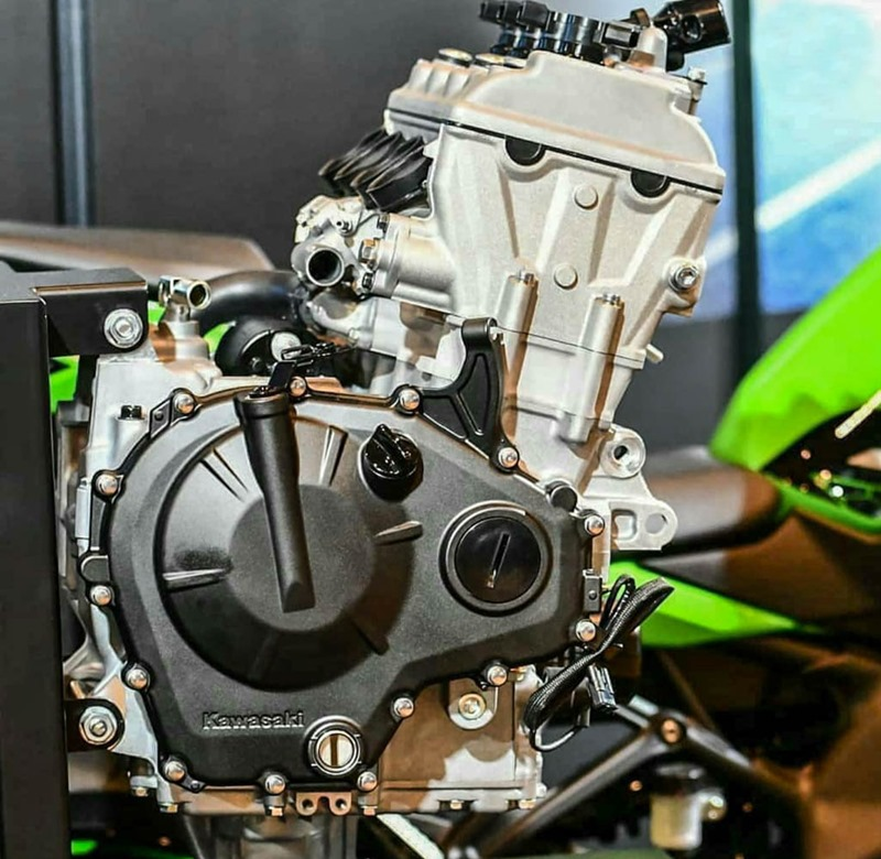 Kawasaki ZX-25R Engine Pics and Details