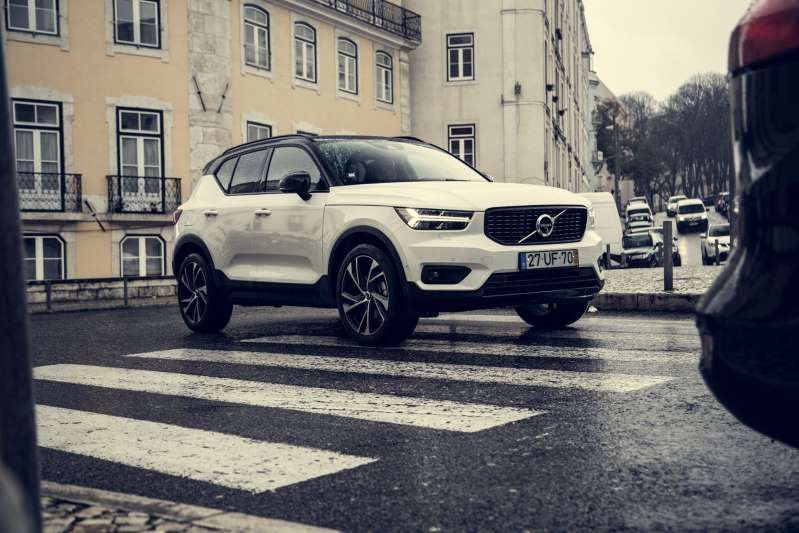 Volvo XC40 with new 129 hp T2 engine