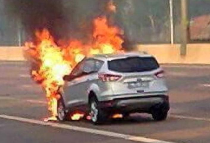 The first Ford Kuga PHEV caught fire and Ford officials apologized to customers