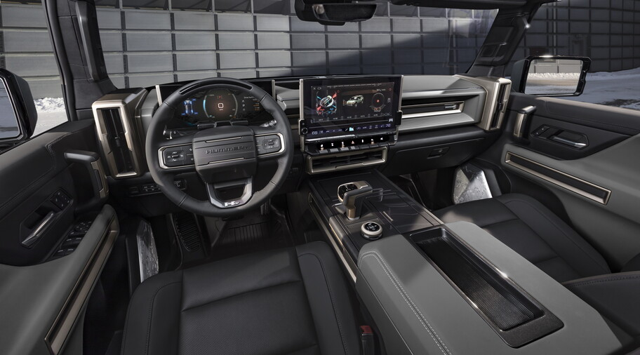 2024 GMC Hummer EV SUV : an attractive and powerful electric off-road vehicle