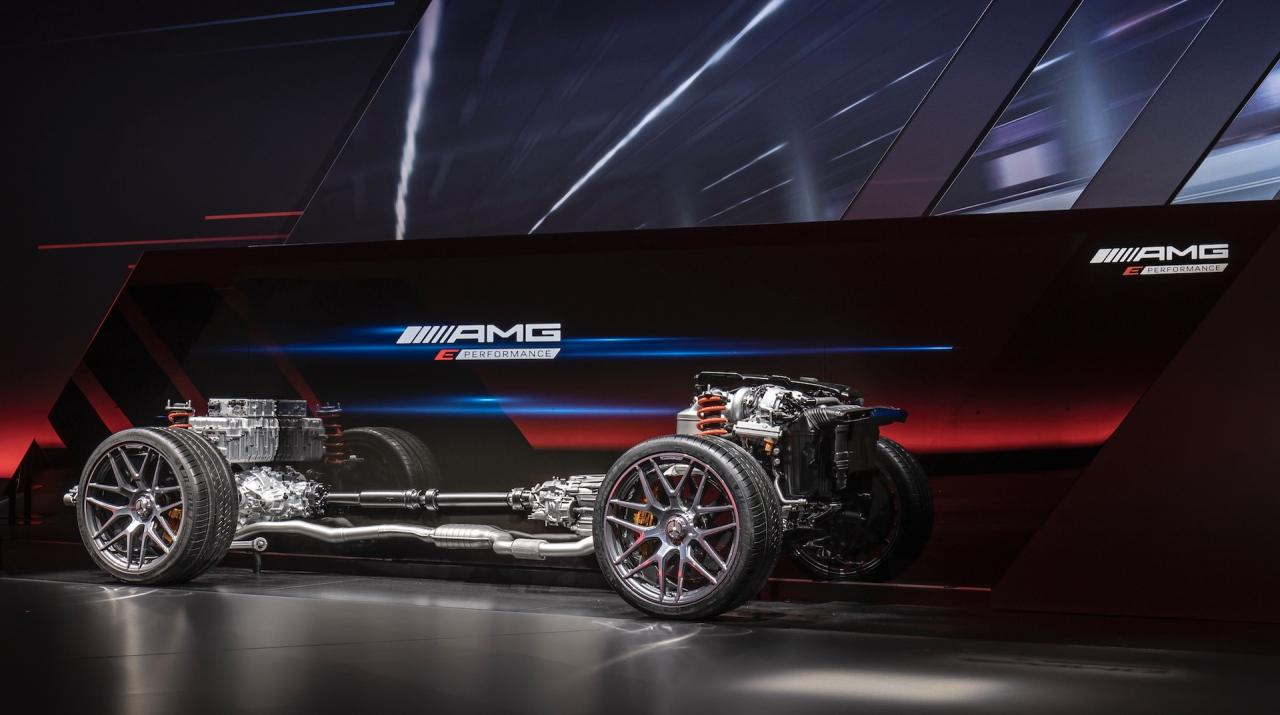 Mercedes-AMG E Performance, hybridization in power