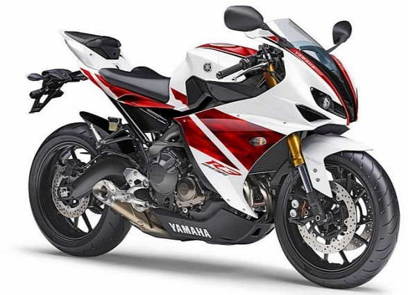 2015 Yamaha YZF-R3 Review and Specs Feature