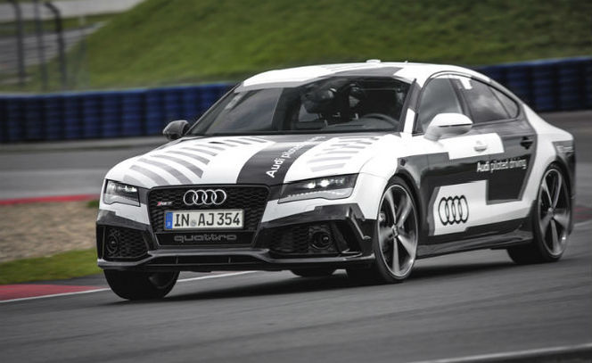 Audi RS7 Piloted  System, the faster machine than man