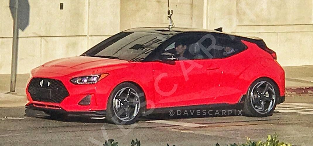 New generation Hyundai Veloster appears without camouflage