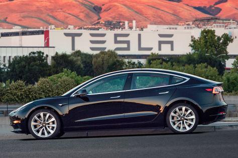German engineers praises Tesla Model 3