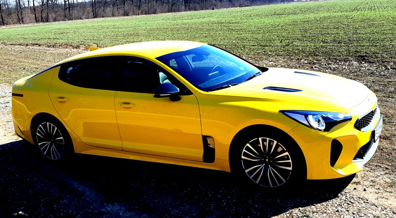Test Drive with the new KIA Stinger 2.0 T-GDi GT Line AT8 RWD 255 hp!