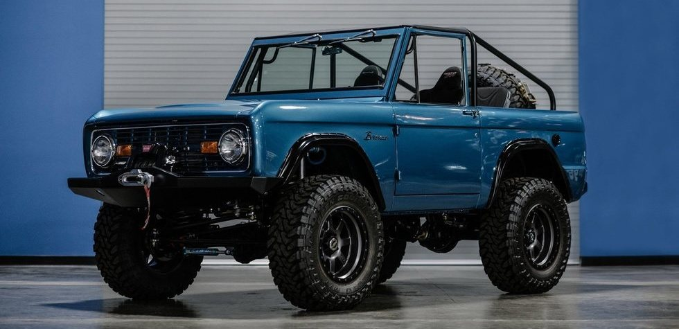 Ford Bronco Custom. RM Sotheby's puts it up for auction for a good figure