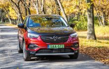 Opel Grandland X Hybrid4 Test, Specs & Details